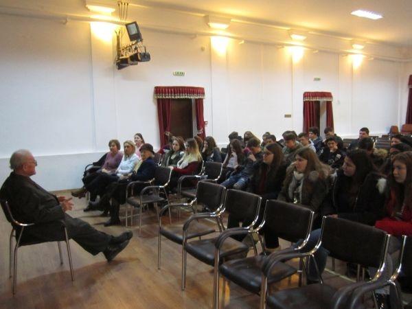 Profesorul Ioan Ciarnău de la Andrid a prezentat o lecţie de istorie altfel la aniversarea Unirii Principatelor Române
