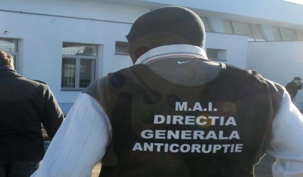 Activități de informare anticorupție cu personalul Poliției Locale Satu Mare