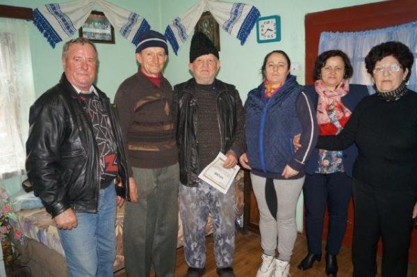 În vizită la foştii deportaţi  din Scărişoara Nouă
