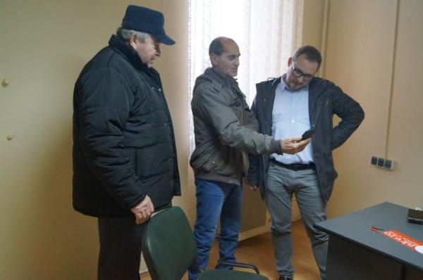 Refuzaţi de Primăria Carei locuitorii de pe strada Morii au mers în audienţă la biroul parlamentar de la UDMR Carei