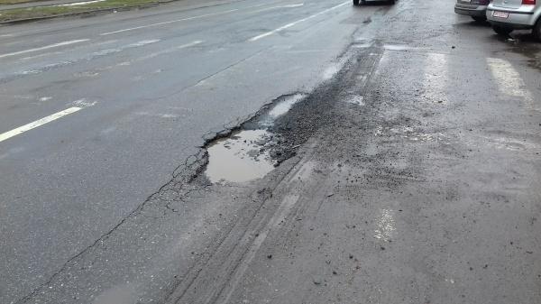 Incredibil! A dispărut asfaltul rece din gropile Careiului