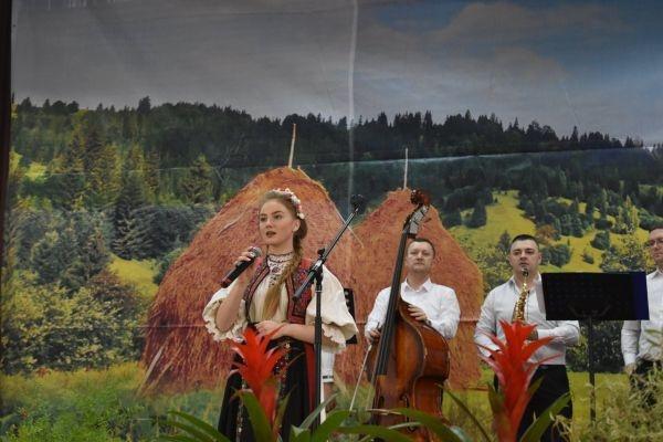 """Câştigătorii Festivalului Concurs de folclor """"Rozmarin în colţu' mesii"""""""