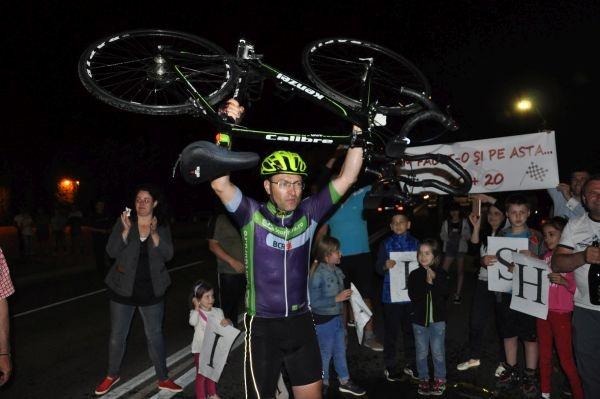 Un vis împlinit. Marius Bucureştean  a pedalat de la  Constanţa la Carei. GALERIE FOTO