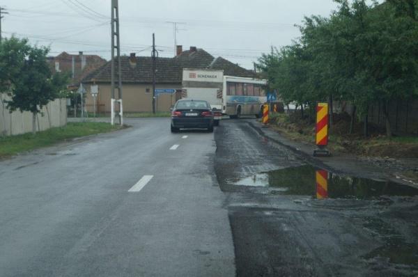 Careiul a fost ferit de furtună nu şi de incompetenţă. Străzi REABILITATE DUPĂ ASFALTARE