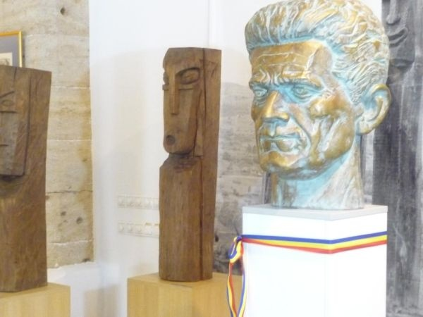 IN MEMORIAM GHEZA VIDA părintele Monumentului Ostaşului Român de la Carei. 106  ani de la nașterea sa