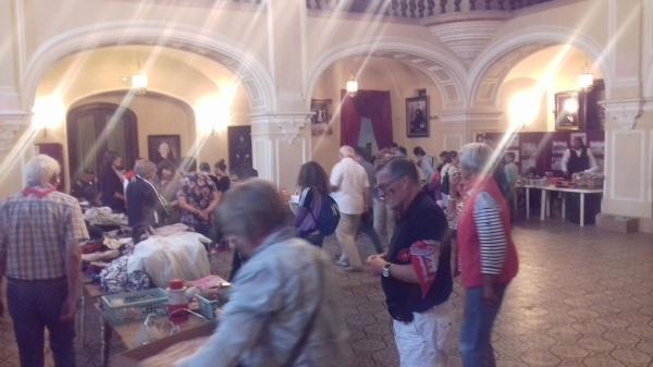 Vânzări de obiecte pentru sprijinirea unor centre de îngrijire din subordinea Consiliului Judeţean Satu Mare