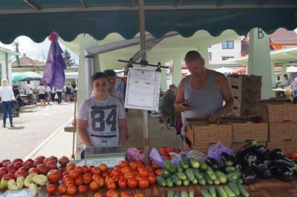 Târg al produselor tradiţionale locale  la Piaţa Agroalimentară Carei