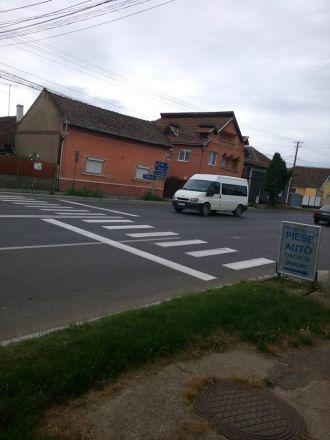 Treceri de pietoni noi pe strada Mihai Viteazu după semnalările Buletin de Carei