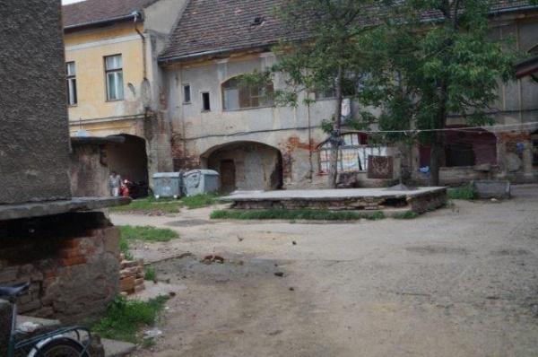 Clădire monument istoric transformată de Primăria Carei în locuinţe sociale