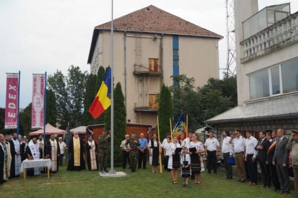 Discurs patriotic al primarului Kovacs la înălţarea drapelului pe catargul de pe terenul bisericii Sf.Dimitrie