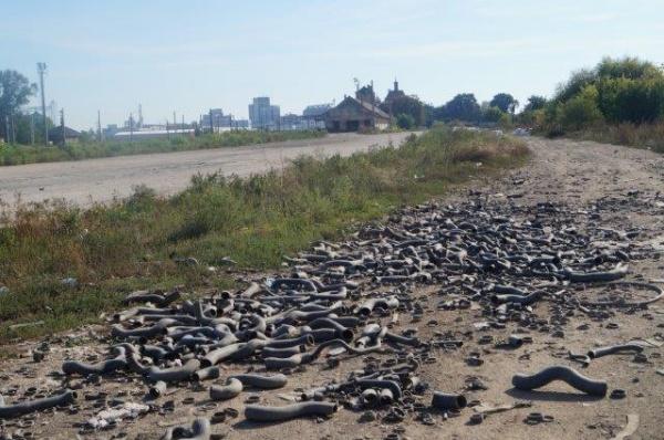 Deşeurile şi molozul cuprind Careiul