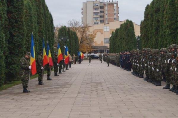 Ziua Armatei și erodarea eroismului la 75 de ani de la eliberarea Ardealului de Nord. Bal la Satu Mare și pădure de tuia la Carei