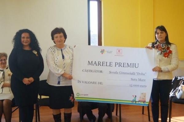 """Se poate! Şcoala Gimnazială Doba câştigă MARELE PREMIU la concursul """"Let's Get Green"""""""