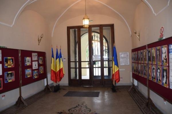 S-a redecorat Castelul Karolyi din Carei
