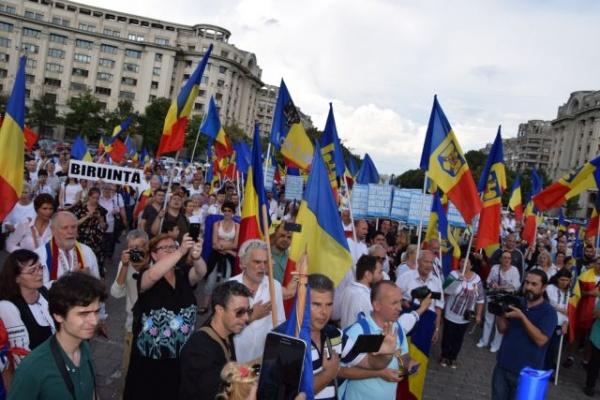 Atentat la adresa limbii române ca limbă oficială în România. Protest