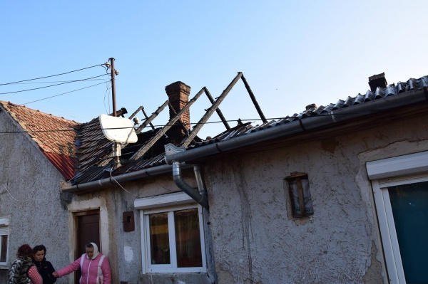 Indicații șoc la  Primăria Carei  pentru familia cu casa arsă