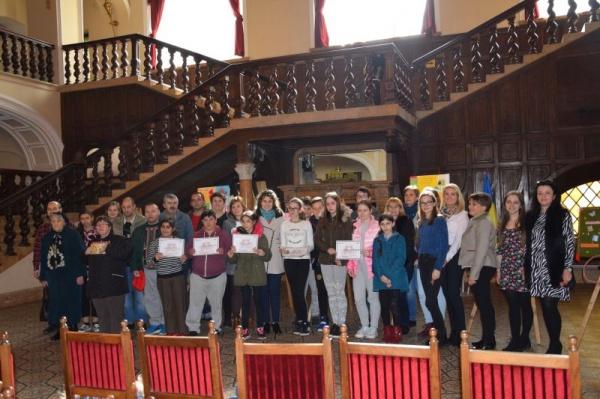 Diplome pentru participanţii la concursul de confecționat mărțișoare