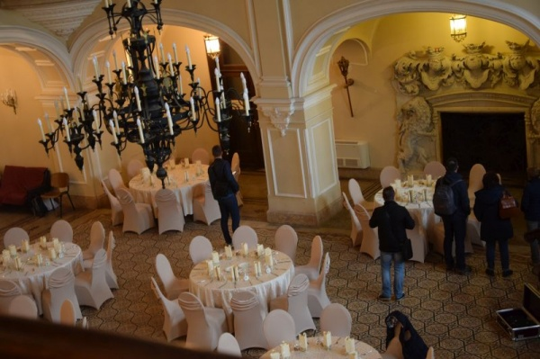 Liber la nunți și botezuri în incinta Castelului Karolyi aflat pe Lista Monumentelor Istorice