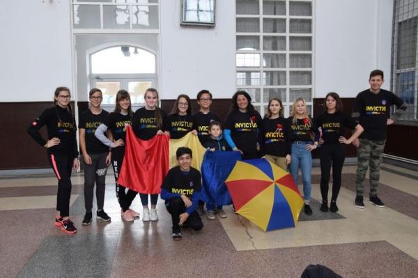 Elevi careieni la manifestările de la București de Ziua Regalității