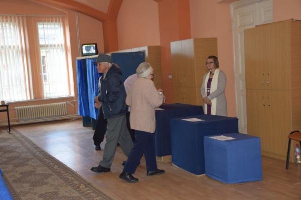 Careiul a votat. 41,02% prezență la vot