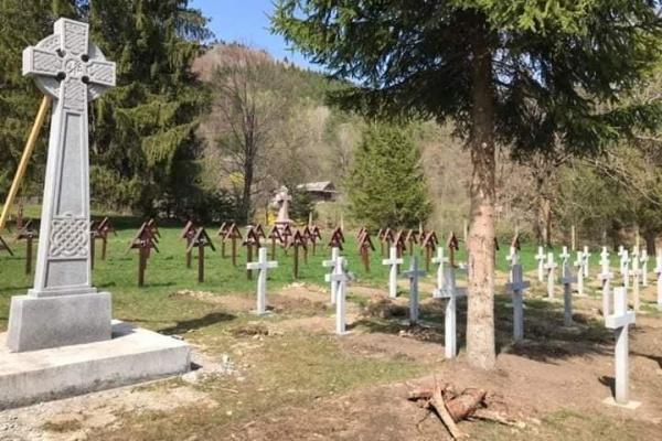 Ziua Eroilor în Cimitirul Eroilor de la Valea Uzului