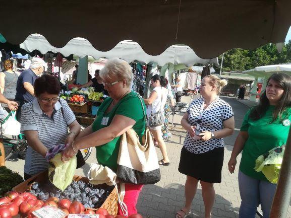 APM Satu Mare și campania împotriva pungilor de plastic în Piața de alimente Carei