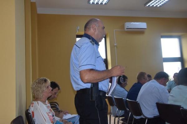 Norma de hrană pentru Poliția Locală votată doar de unii consilieri. Lipsă de interes pentru cheltuirea banului public