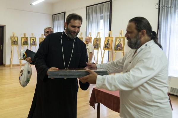 Ștefan Ferenczi își prezintă la Castel expoziția de icoane