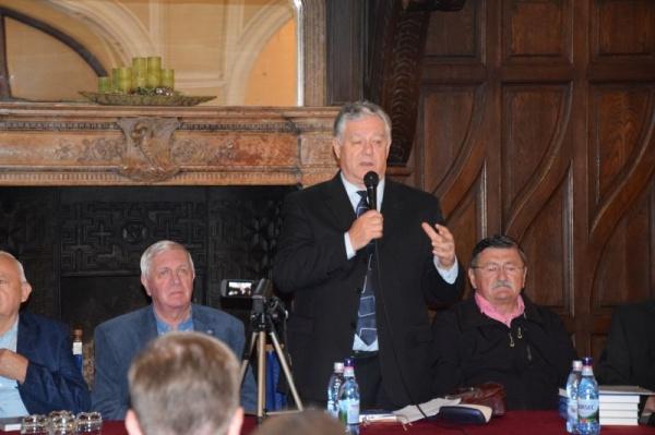 Primarul Kovacs a refuzat o donație de carte românească