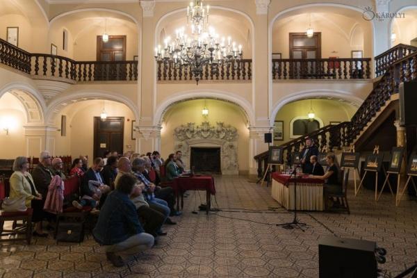 "Lansarea  volumului ""Gyújtottamgyertyákat"" (""Am aprins lumânări"") la Castelul Karolyi din Carei"