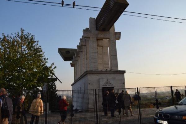 A fost  aprobată organizarea și funcționarea Muzeului Ororilor Comunismului în România