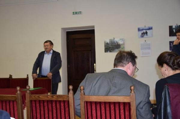 Demnitarul român care nu vorbește românește la manifestarea organizată de Primăria Carei