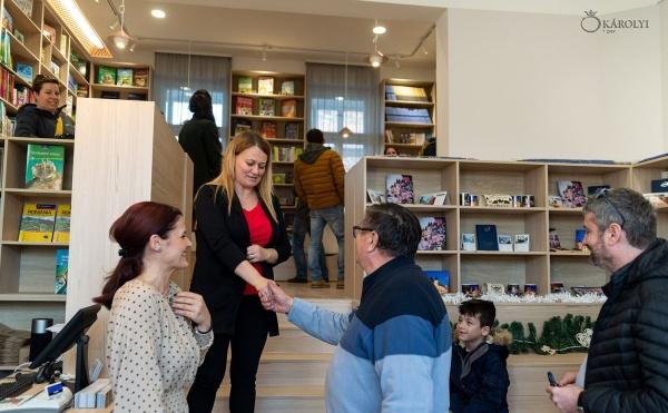 Se deschide librăria orașului Carei, Karul Libris. Așteptăm apariția pe rafturi a autorilor locali români precum și HARTA CAREI