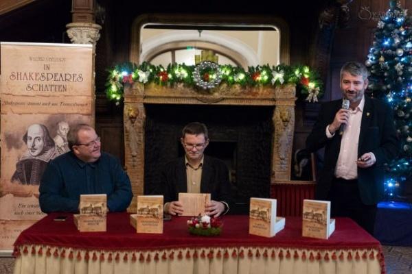 """Lansarea cărții """"În umbra lui Shakespeare"""" la Carei"""