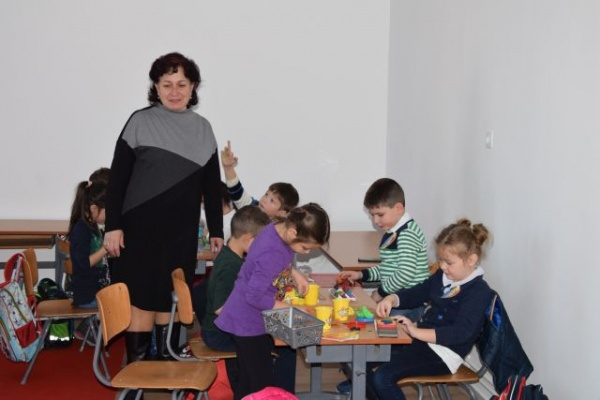 """""""Eminescu pe înțelesul celor mici"""" la librăria Karul Libris din Carei"""