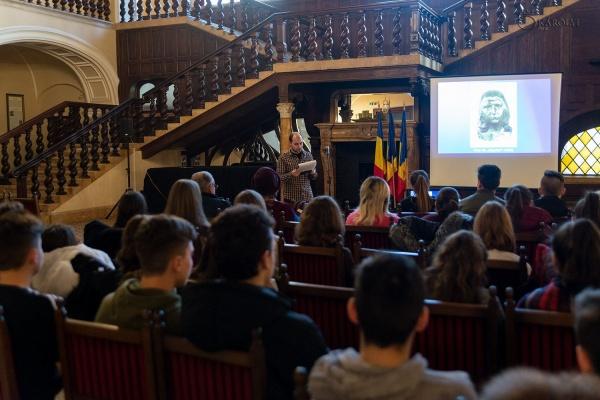 """Prezentarea multimedia """"Brâncuși– inspirație, talent, geniu"""" la Castelul din Carei"""
