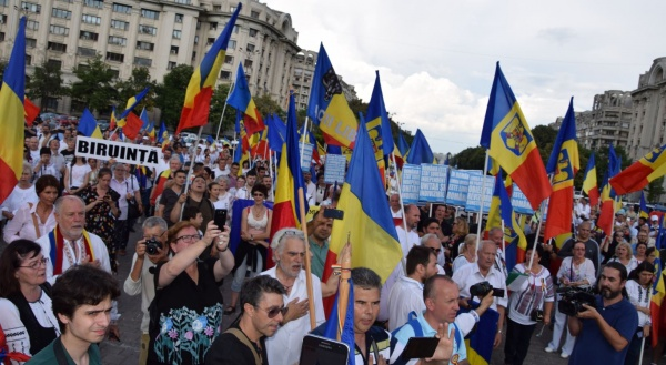 Primăria Capitalei se teme că românii  ajung cu protestul la Cotroceni și limba română își va păstra caracterul oficial?