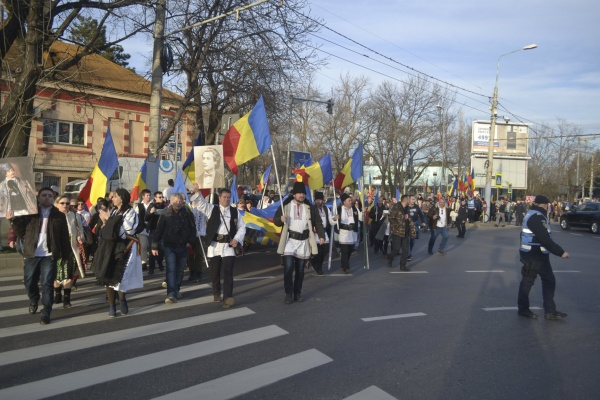 Românii au smuls președintelui Iohannis promisiunea că nu va promulga Codul Administrativ odios