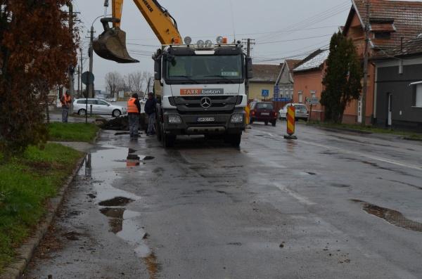 Au început lucrările de refacere pe de Calea Mihai Viteazul Carei