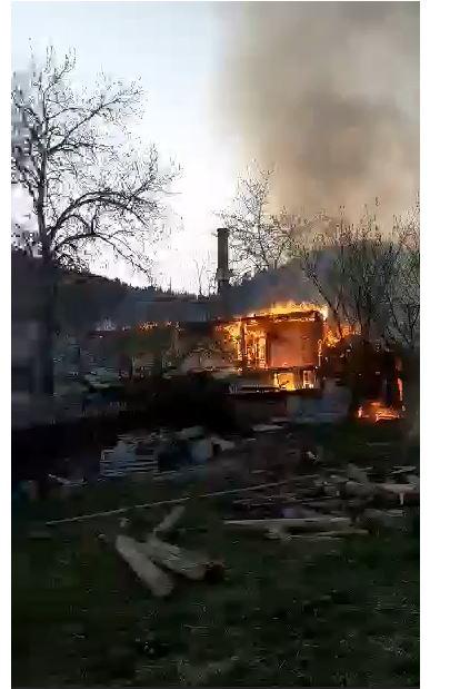 Ne ard mănăstirile românești. Acum arde Agapia