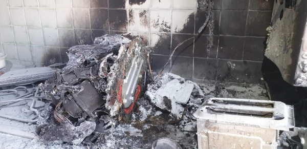 Incendiu provocat de  un aparat electrocasnic