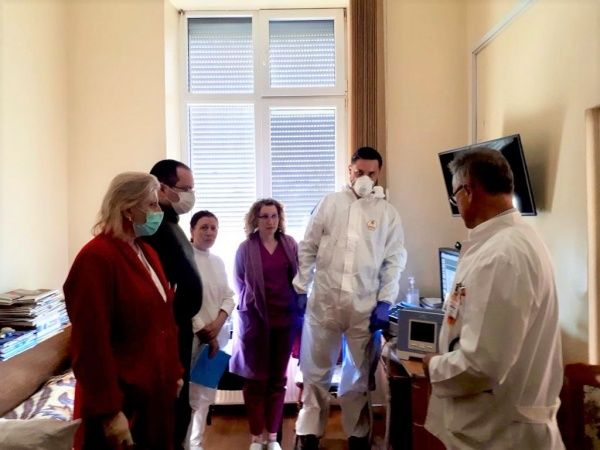 A sosit aparatură pentru pacienții cu infecții respiratorii acute. La Spitalul de Pneumoftiziologie Satu-Mare