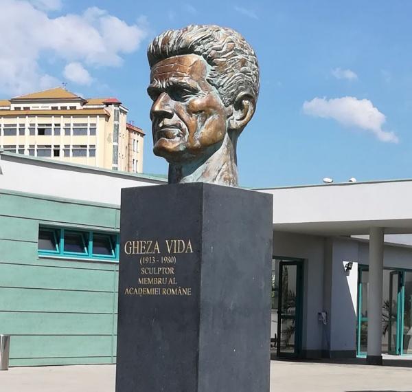 108 ani de la nașterea marelui sculptor GHEZA VIDA (1913-1980)