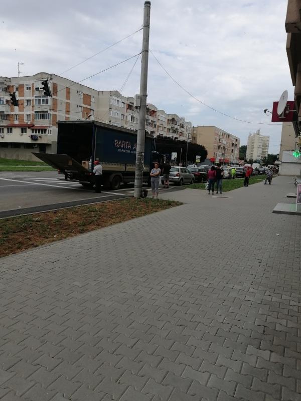 Fără pasaje pentru aprovizionarea agenților economici pe calea Mihai Viteazul din Carei