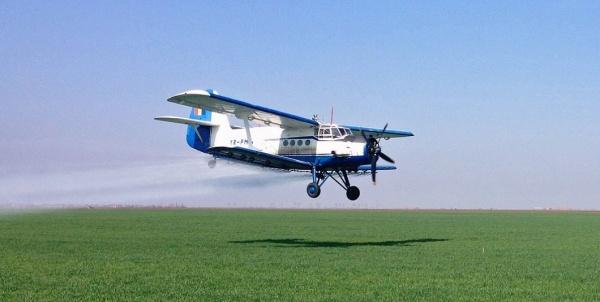 Stropiri din avion împotriva țânțarilor la Carei