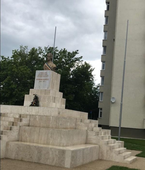 Se sfințește recent reabilitatul ansamblu monumental Avram Iancu din Carei