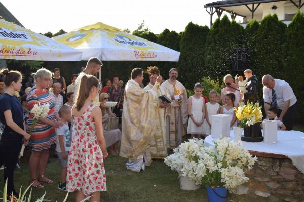 Sfințirea crinilor și binecuvântarea copiilor. Hramul parohiei Sf.Anton de Padova