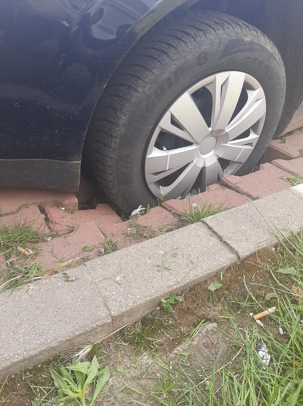Atenție careieni unde parcați!