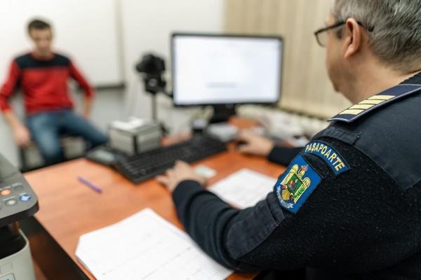 Peste 9600 de pașapoarte eliberate în județ în 11 luni