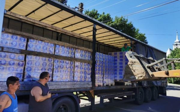 Peste 700 de careieni primesc de luni ajutoare alimentare și de igienă